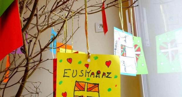 EUSKARAREN ZUHAITZA 024 b
